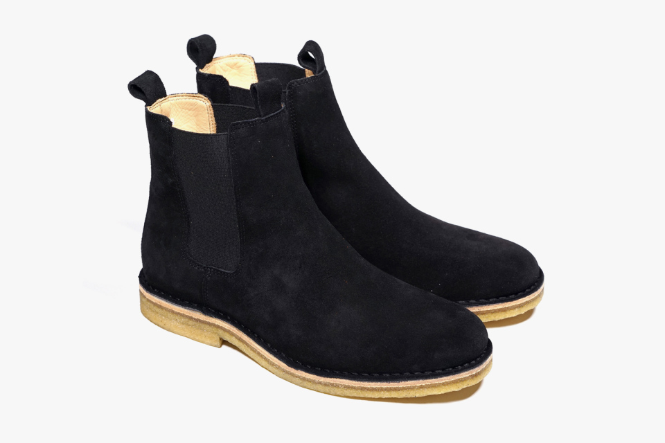 Men Black Chelsea Suede Leather Boots with Brown Outsole